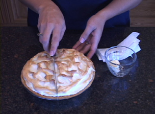 how to cut meringue Video