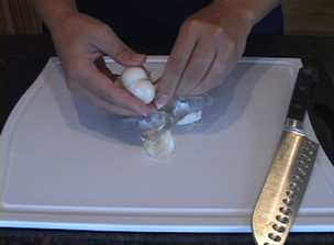 How To Peel Garlic Video